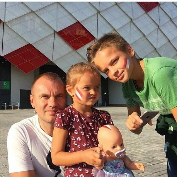 Егор Шип и его родители (отец)