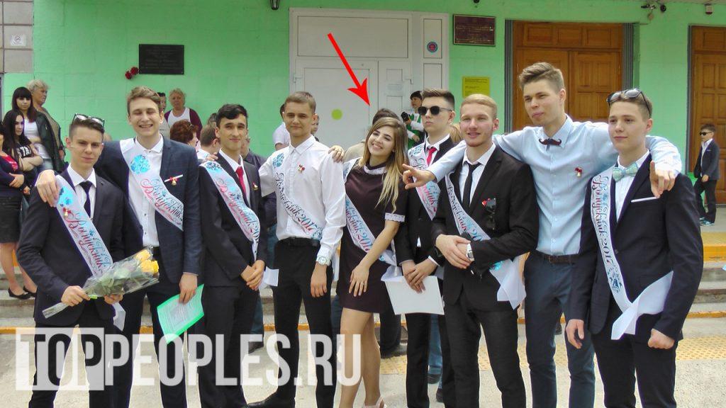 Аня Покров в школе фото