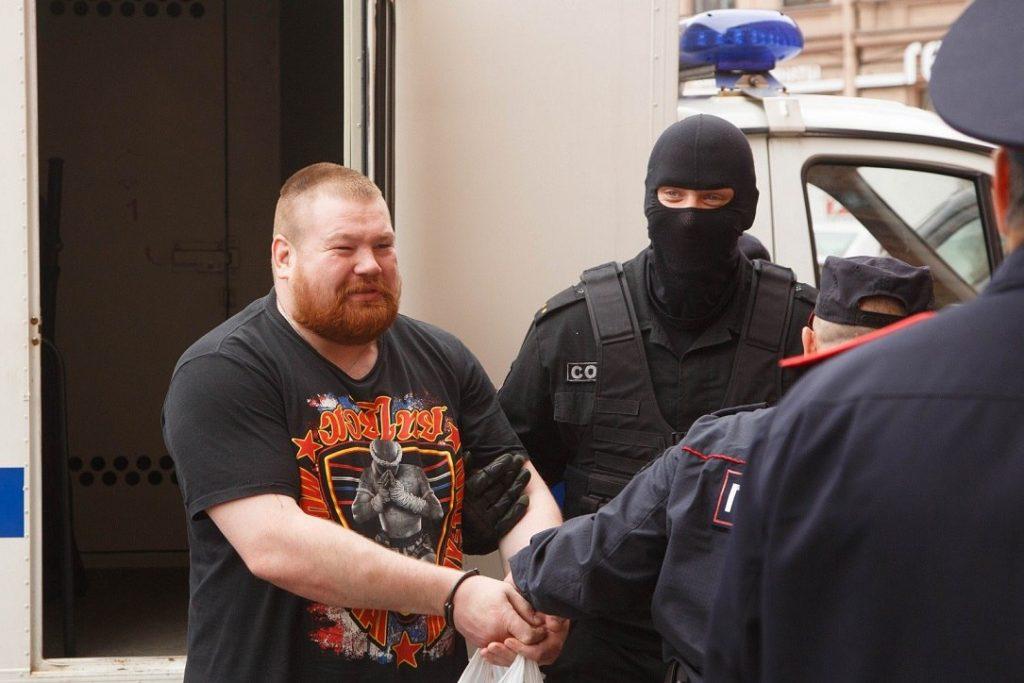 Дацик в наручниках задержание