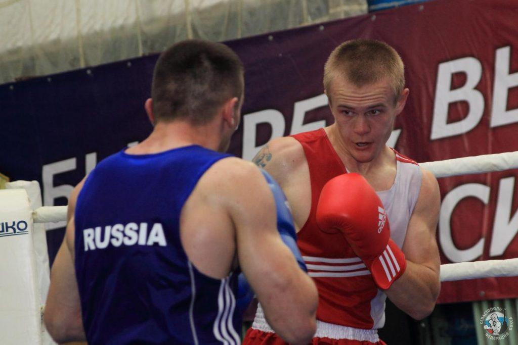 Евгений Моряк Курданов в боксе