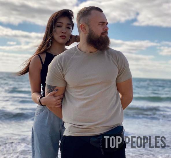 Евгений Моряк Курданов и его девушка Маргарита Пай