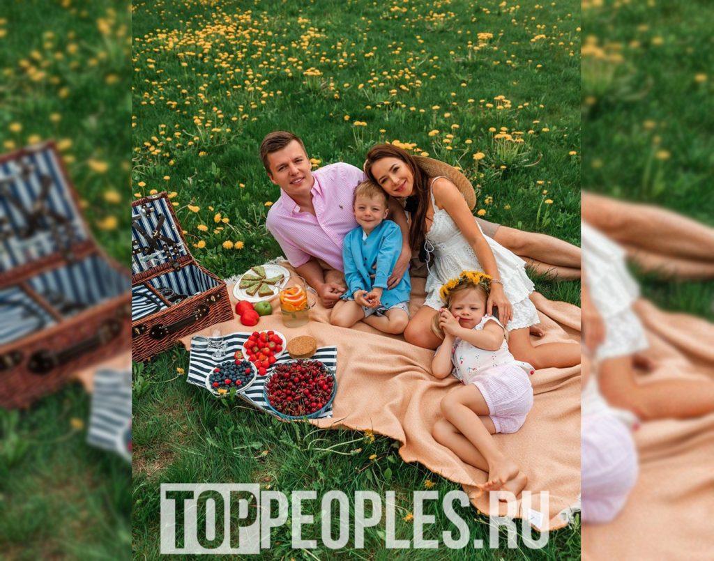 Чекалина Валерия фото с детьми и мужем
