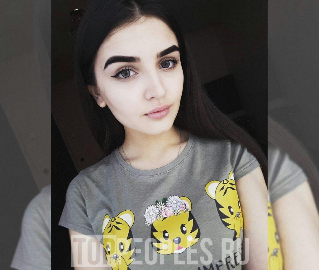 Дина Саева в детстве фото