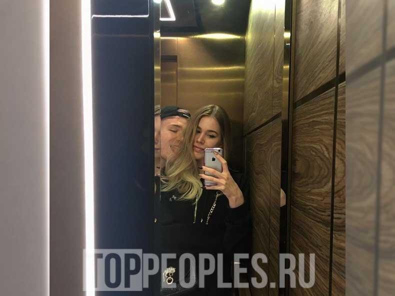 Куок и его девушка фото