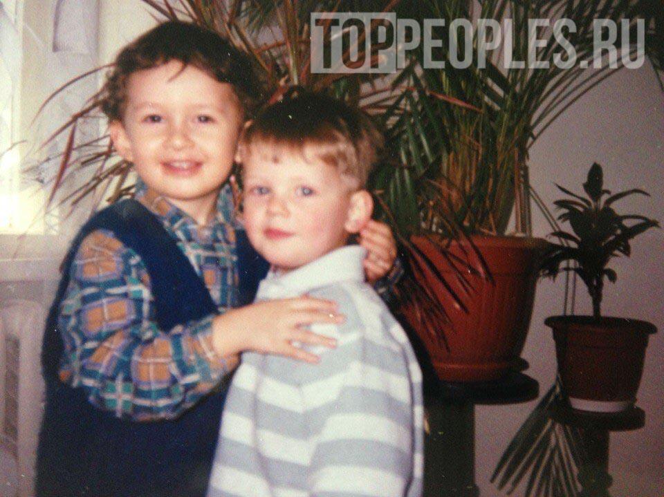 Максим Моргенштерн и его брат Алишер Моргенштерн фото