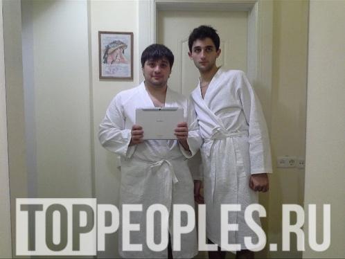 Тамби Масаев и Рустам Рептилоид в молодости