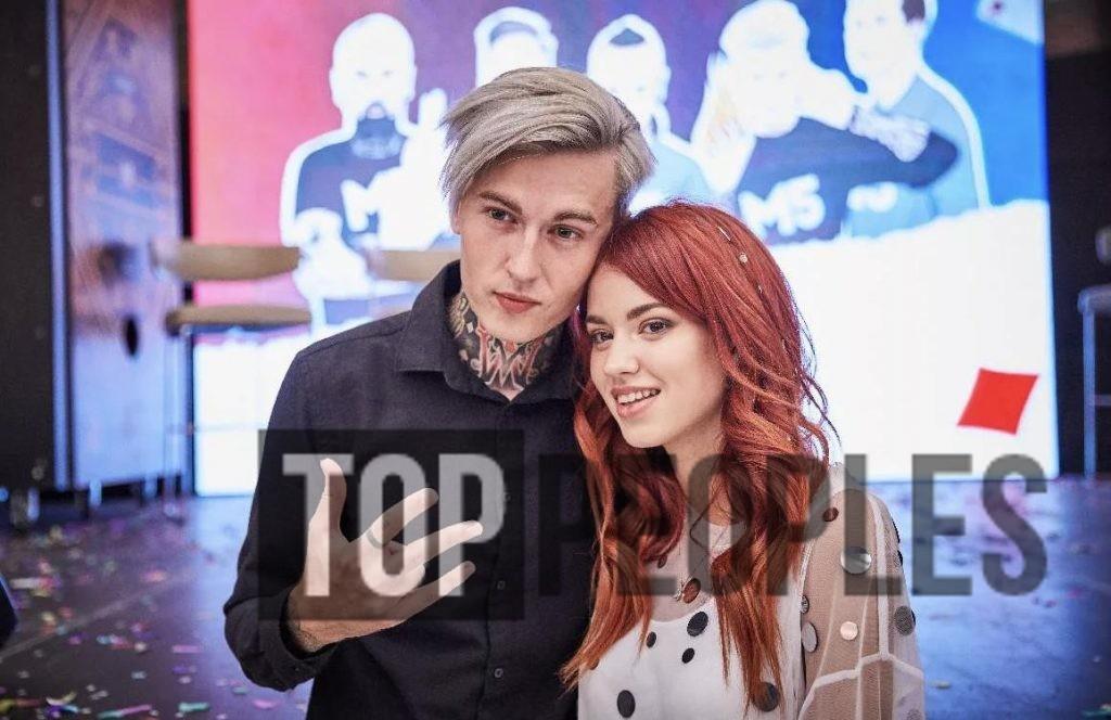 Дима Евтушенко с девушкой