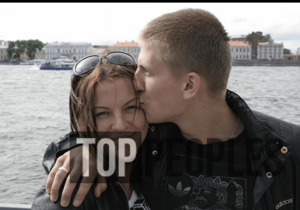 Щербаков с женой
