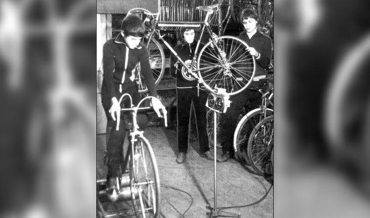 Тиньков на велосипеде в детстве